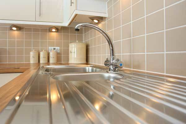 How to Clean Stainless Steel In Your Kitchen