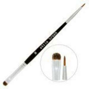 Stila #28 Smudge and Line Brush