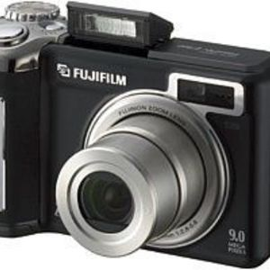 Fujifilm - FinePix E900 Digital Camera