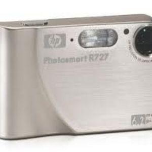HP - Photosmart R727 Digital Camera
