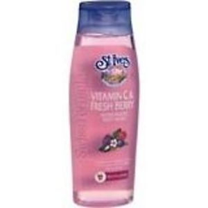 St. Ives Fresh Berry & Vitamin C Moisturizing Body Wash