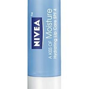Nivea Lip Care A Kiss Of Moisture, Hydrating Lip Care SPF 4
