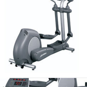 Life Fitness Classic Series Elliptical Cross Trainer (CLSX)