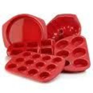 Silicone Solutions Silicone Bakeware (Various pieces)