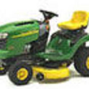 John Deere L100 Lawn Tractor