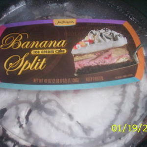 Jon Donaire Banna split ice cream cake