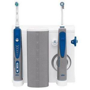 Oral-B ProfessionalCare DLX OxyJet Center