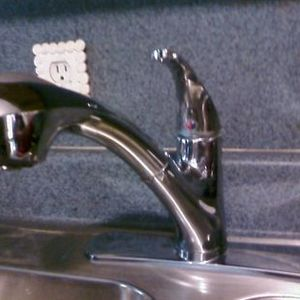 Price Pfister F-WKP-70 Pullout Kitchen Faucet Single Control
