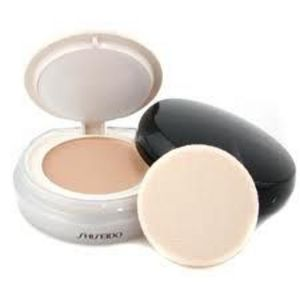 Shiseido The Makeup Brightening Veil SPF 24