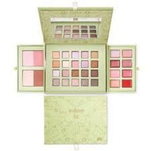 Pixi by Petra Winter Wakeup Eyes Makeup Palette