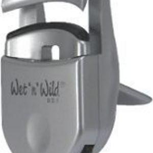 Wet n Wild Eyelash Curler - Plastic
