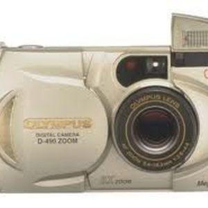 Olympus - D-490 Zoom Digital Camera
