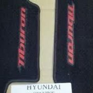 Hyundai Tiburon Floor Mats, Carpeted, Black/Red