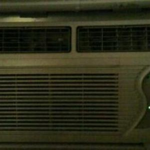 Fedders Air Conditioner with Built-In 3 minute Cooling Delay