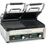 Waring Dual Section Split Smooth And Ribbed Surface Commercial Pannini/Sandwich Grill - 240V WDG300