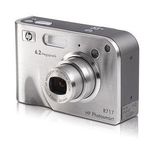 HP - Photosmart R717 Digital Camera