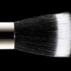 MAC Duo Fibre Brush #187