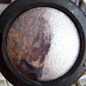 MAC Mineralize Eyeshadow Duo - Polar Opposite (Limited Edition Electroflash Collection)