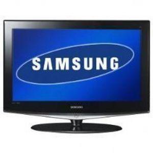 Samsung 52 in. LCD TV LC-52D82U