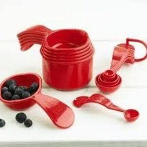 Tupperware Measuring Cups & Measuring Spoons Set