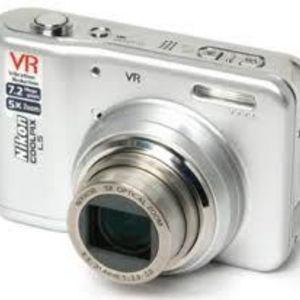 Nikon - Coolpix L5 Digital Camera