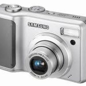 Samsung - S1030 Digital Camera