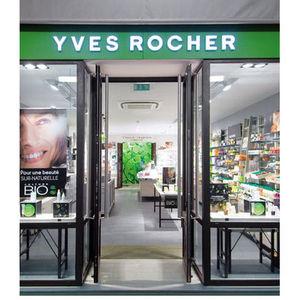 Yves Rocher Phytum Hair Care Ultra Glossy 3 in 1 Shampoo