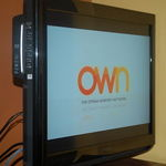 """Insignia 32"""" LCD HDTV with Blu-Ray/DVD Combo"""