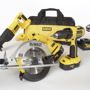 DeWalt 18 V Four Tool (Drill-Driver/Recip/Circular Saw/Floodlight) Combo